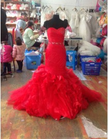 Gorgeous sweetheart swarovski beaded red organza fit and flare sweeping train prom dress LW-178